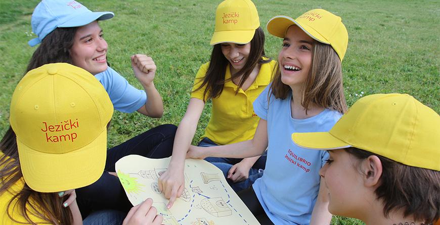 Letnji jezicki kamp. Ucenje engleskog jezika za decu Beograd. Kurs engleski za decu.